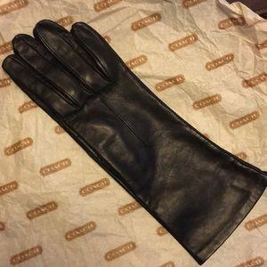 Vintage COACH ladies leather gloves